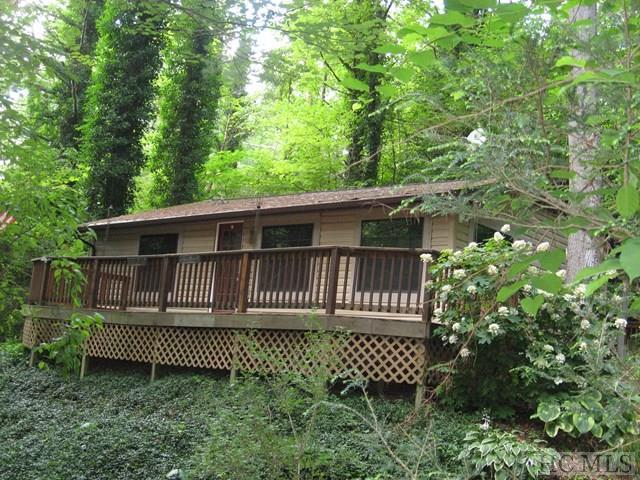 221 Sage Circle, Glenville, NC 28736 (MLS #86482) :: Lake Toxaway Realty Co