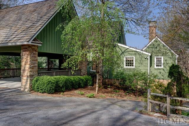 69 Maple Lane, Highlands, NC 28741 (MLS #86534) :: Berkshire Hathaway HomeServices Meadows Mountain Realty