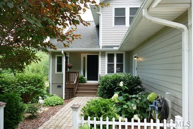 1077 West Old Murphy Road, Franklin, NC 28734 (MLS #86637) :: Landmark Realty Group