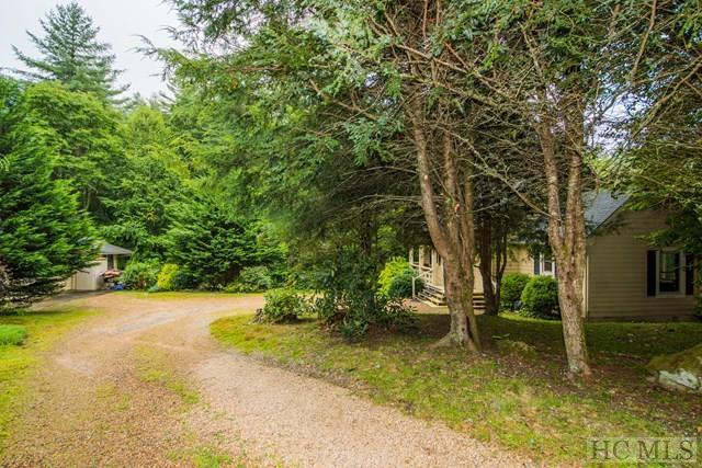 1375 Great Falls Drive, Glenville, NC 28736 (MLS #86787) :: Lake Toxaway Realty Co