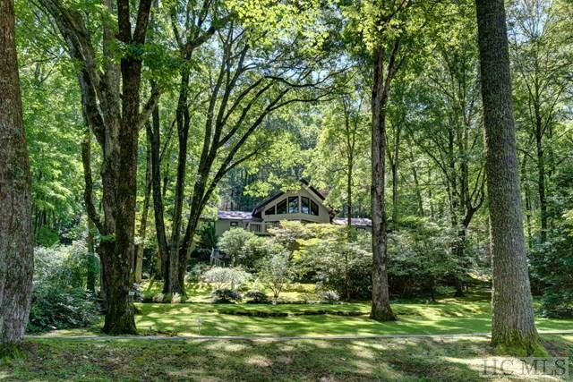 164 Wedge Shot Drive, Sapphire, NC 28774 (MLS #86940) :: Berkshire Hathaway HomeServices Meadows Mountain Realty