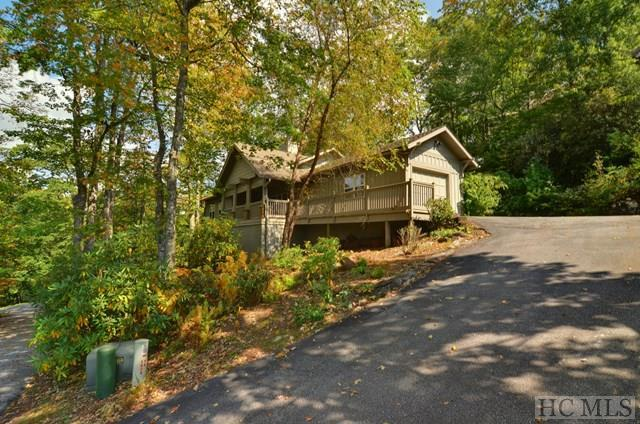 49 Jessamine Lane, Highlands, NC 28741 (MLS #86979) :: Lake Toxaway Realty Co