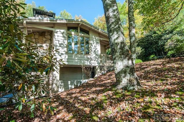 430 Hideaway Trail, Highlands, NC 28741 (MLS #87040) :: Berkshire Hathaway HomeServices Meadows Mountain Realty