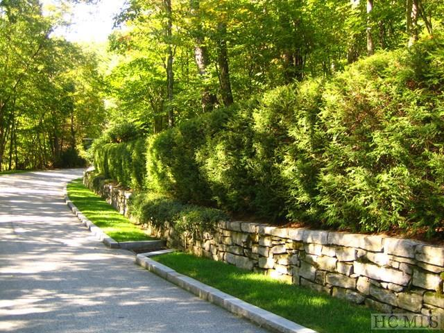 100 Ravenel Ridge Road, Highlands, NC 28741 (MLS #87045) :: Lake Toxaway Realty Co