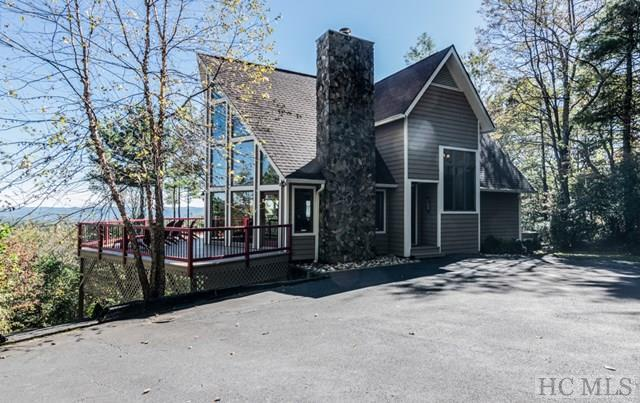 749 Lakeside Drive, Lake Toxaway, NC 28747 (MLS #87130) :: Lake Toxaway Realty Co