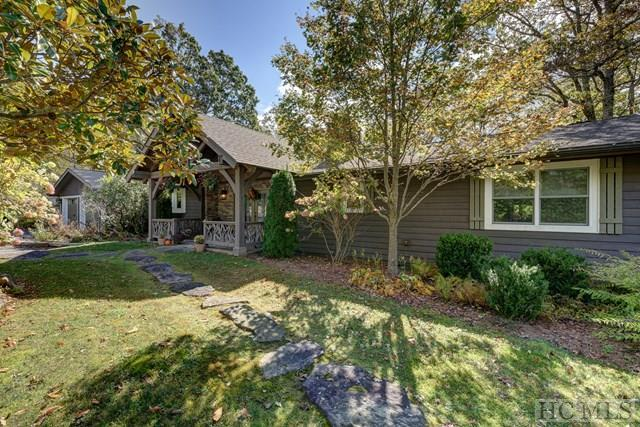 661 Whiteside Mountain Road, Highlands, NC 28741 (MLS #87183) :: Lake Toxaway Realty Co