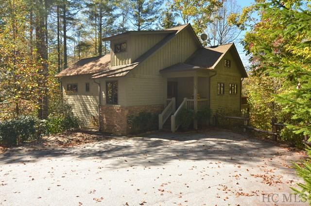 401 Scotch Highlands Loop, Cashiers, NC 28717 (MLS #87233) :: Lake Toxaway Realty Co