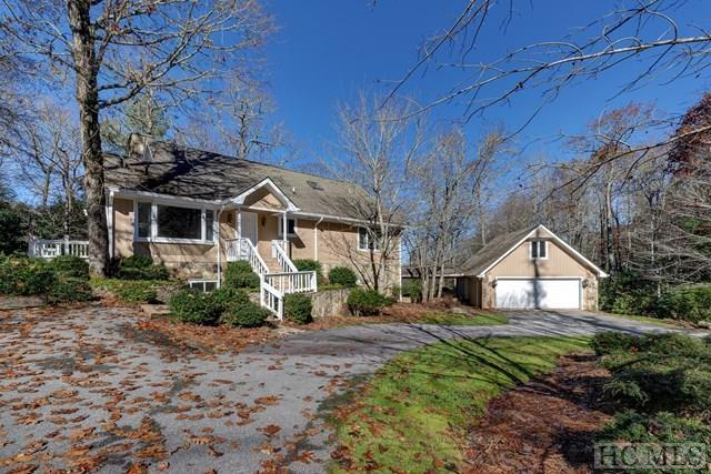 390 Moorewood Circle, Highlands, NC 28741 (MLS #87247) :: Berkshire Hathaway HomeServices Meadows Mountain Realty