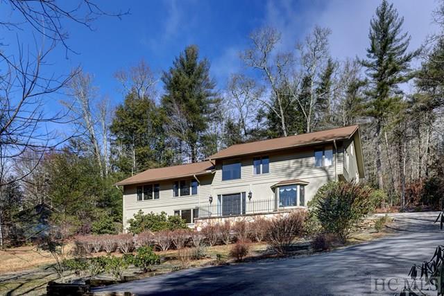 54 Deer Run, Highlands, NC 28741 (MLS #87415) :: Berkshire Hathaway HomeServices Meadows Mountain Realty