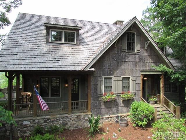 64 Mount Mitchell Court, Cashiers, NC 28717 (MLS #87443) :: Berkshire Hathaway HomeServices Meadows Mountain Realty