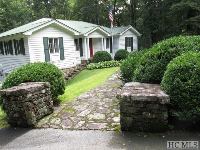 1298 Moorewood Road, Highlands, NC 28741 (MLS #87546) :: Berkshire Hathaway HomeServices Meadows Mountain Realty