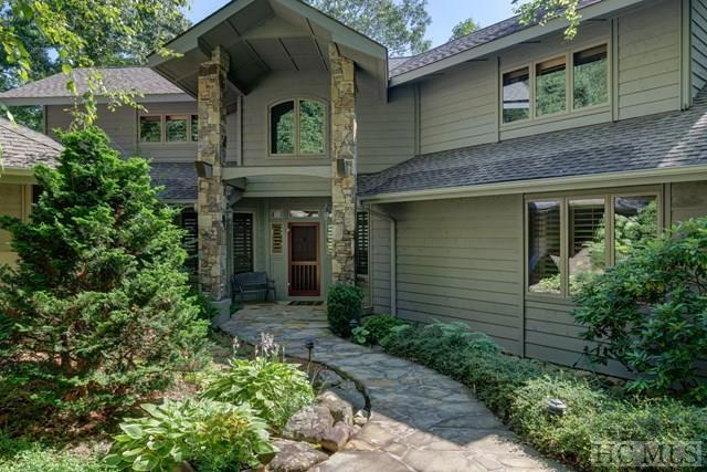 900 Brushy Face Road, Highlands, NC 28741 (MLS #87570) :: Lake Toxaway Realty Co