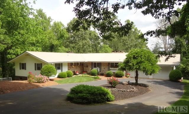 603 Hemlock Hills Drive, Franklin, NC 28734 (MLS #87597) :: Lake Toxaway Realty Co