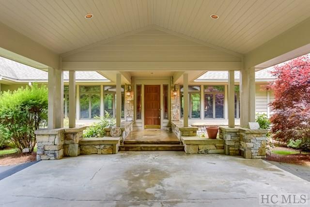 721 Cullasaja Club Drive, Highlands, NC 28741 (MLS #87639) :: Lake Toxaway Realty Co