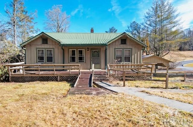 16 Oak Street, Highlands, NC 28741 (MLS #87663) :: Lake Toxaway Realty Co