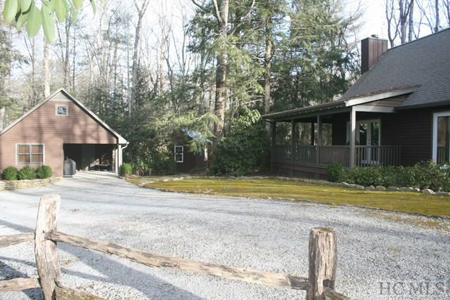 292 Woodland Hills Drive, Highlands, NC 28741 (MLS #87687) :: Lake Toxaway Realty Co