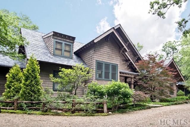 812 Ravenel Ridge Road, Highlands, NC 28741 (MLS #87693) :: Lake Toxaway Realty Co