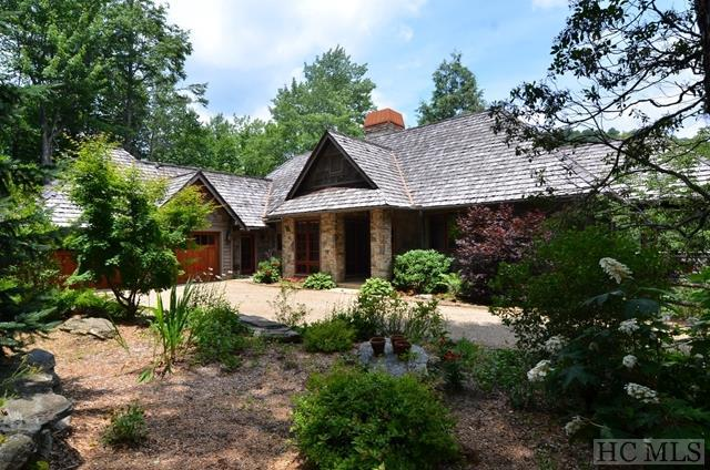 1442 Owl Gap Road, Highlands, NC 28741 (MLS #87966) :: Berkshire Hathaway HomeServices Meadows Mountain Realty
