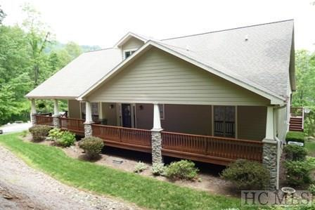 669 Lakeside Circle, Franklin, NC 28734 (MLS #87979) :: Lake Toxaway Realty Co
