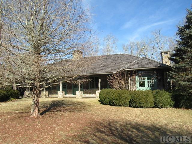 1376 Highgate Road, Highlands, NC 28741 (MLS #88066) :: Berkshire Hathaway HomeServices Meadows Mountain Realty