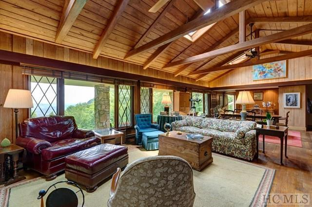 560 Whiteside Mountain Road, Highlands, NC 28741 (MLS #88075) :: Berkshire Hathaway HomeServices Meadows Mountain Realty