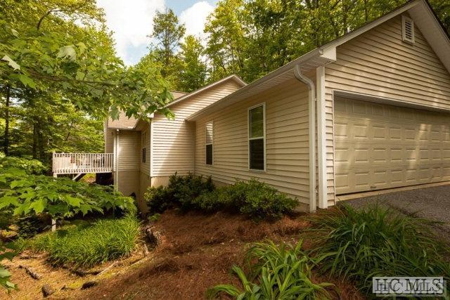 296 Fallen Leaf Lane, Highlands, NC 28741 (MLS #88308) :: Lake Toxaway Realty Co