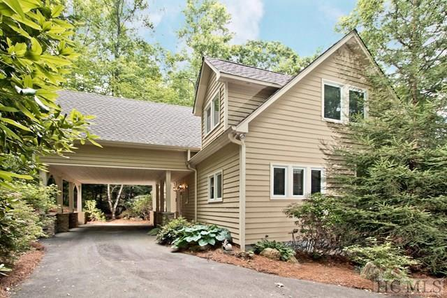636 Lost Trail, Highlands, NC 28741 (MLS #88412) :: Berkshire Hathaway HomeServices Meadows Mountain Realty