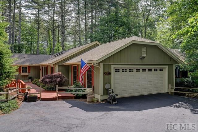 173 Mirrormont Drive, Highlands, NC 28741 (MLS #88541) :: Lake Toxaway Realty Co