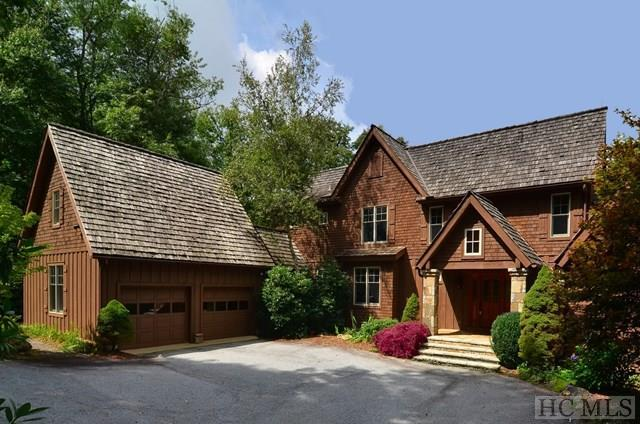 843 Cullasaja Club Drive, Highlands, NC 28741 (MLS #88646) :: Berkshire Hathaway HomeServices Meadows Mountain Realty