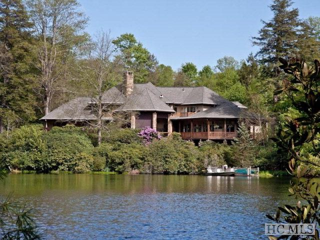 39 Crescent Trail, Highlands, NC 28741 (MLS #88863) :: Lake Toxaway Realty Co