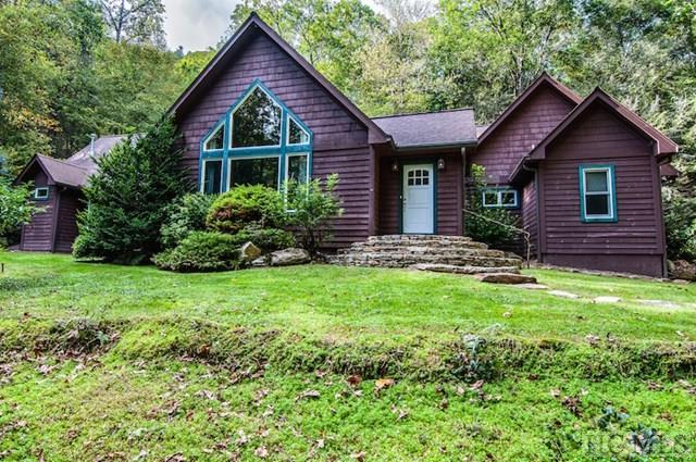 942 Cherokee Trail, Sapphire, NC 28774 (MLS #89053) :: Berkshire Hathaway HomeServices Meadows Mountain Realty
