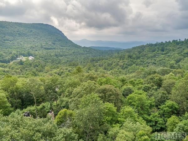 27 S Sassafras Court, Highlands, NC 28741 (MLS #89081) :: Lake Toxaway Realty Co