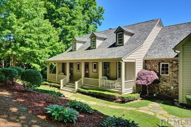 1159 West Rochester Drive, Cashiers, NC 28717 (MLS #89455) :: Berkshire Hathaway HomeServices Meadows Mountain Realty