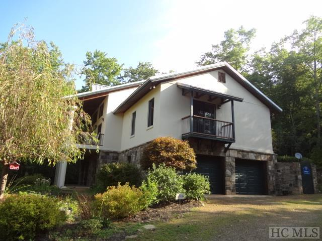1438 Mountain Laurel Drive, Franklin, NC 28734 (MLS #89567) :: Berkshire Hathaway HomeServices Meadows Mountain Realty