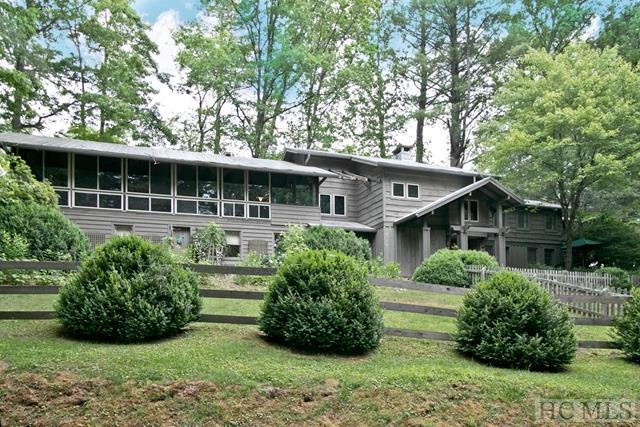 1254 Cobb Road, Highlands, NC 28741 (MLS #89592) :: Berkshire Hathaway HomeServices Meadows Mountain Realty
