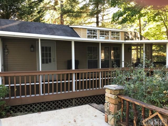 15 N Cumberland Drive, Lake Toxaway, NC 28747 (MLS #89611) :: Berkshire Hathaway HomeServices Meadows Mountain Realty
