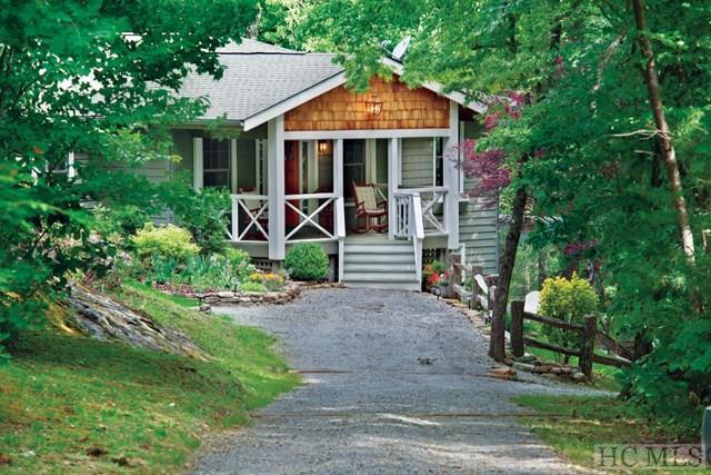 127 Highview Road, Cashiers, NC 28717 (MLS #89982) :: Berkshire Hathaway HomeServices Meadows Mountain Realty