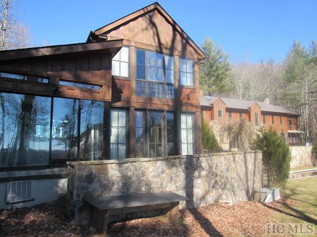 205 Sarsaparilla Court, Sapphire, NC 28774 (MLS #90178) :: Berkshire Hathaway HomeServices Meadows Mountain Realty