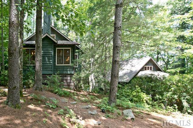 579 Links Dr, Cashiers, NC 28717 (MLS #93208) :: Berkshire Hathaway HomeServices Meadows Mountain Realty