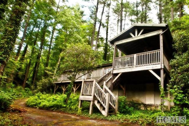 1789 Franklin Road, Highlands, NC 28741 (MLS #96104) :: Berkshire Hathaway HomeServices Meadows Mountain Realty