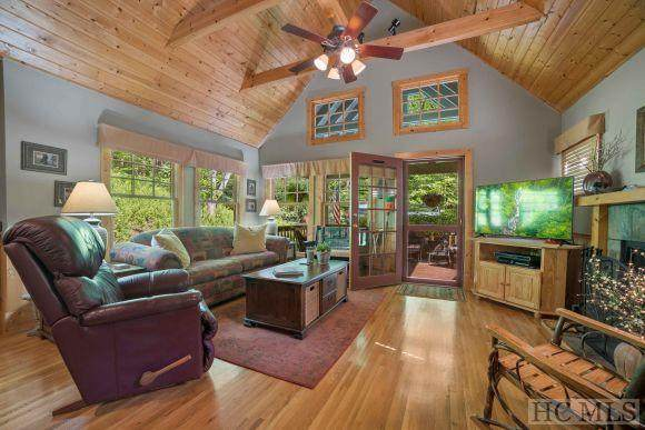 91 Winsome Way, Cashiers, NC 70371 (#96621) :: BluAxis Realty