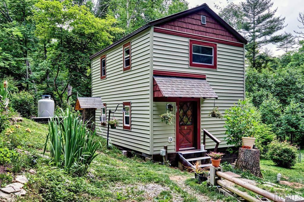 574 Pine Creek Road - Photo 1