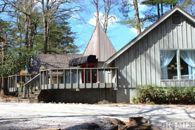 45 Chestnut Square, Cashiers, NC 28717 (MLS #81018) :: Lake Toxaway Realty Co