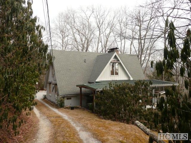 919 Dog Mountain Road, Highlands, NC 28741 (MLS #81101) :: Lake Toxaway Realty Co