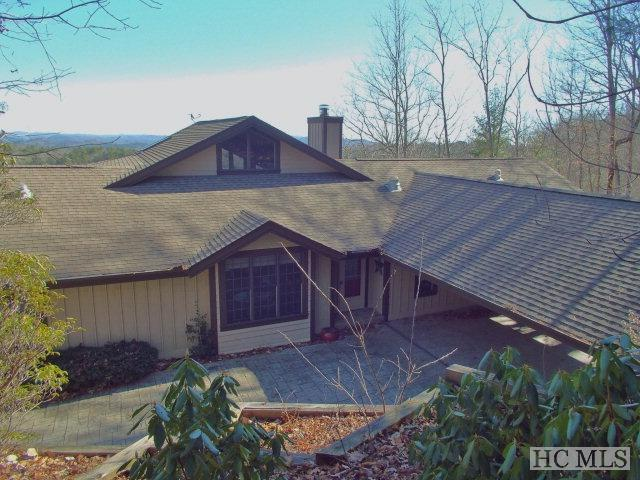 311 Lakeside Drive, Lake Toxaway, NC 28747 (MLS #83086) :: Lake Toxaway Realty Co