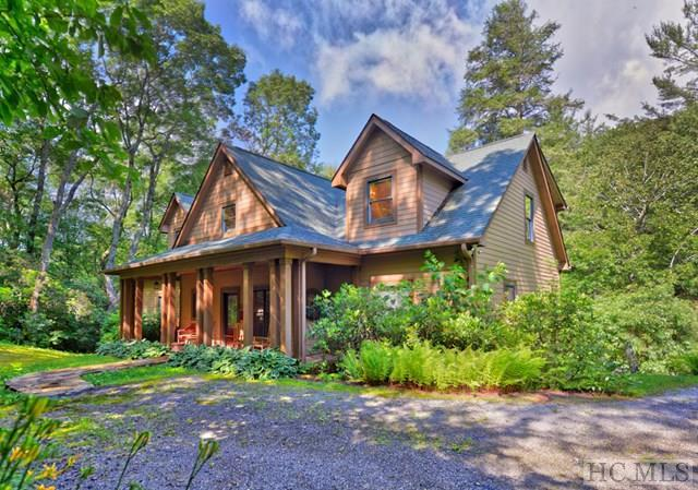 320 Bonnie Drive, Highlands, NC 28741 (MLS #83910) :: Berkshire Hathaway HomeServices Meadows Mountain Realty