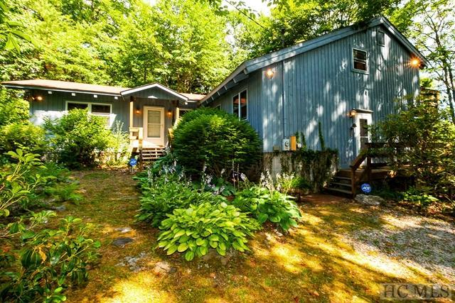 451 Moon Mountain Road, Highlands, NC 28741 (MLS #84327) :: Lake Toxaway Realty Co