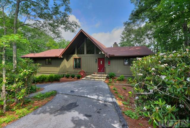 1539 Whiteside Mountain Road, Highlands, NC 28741 (MLS #85271) :: Lake Toxaway Realty Co
