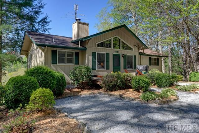 407 Crescent Moon Lane, Cashiers, NC 28717 (MLS #85614) :: Berkshire Hathaway HomeServices Meadows Mountain Realty