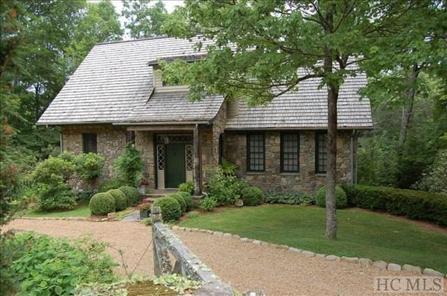 275 Upper Lake Road, Highlands, NC 28741 (MLS #86018) :: Lake Toxaway Realty Co